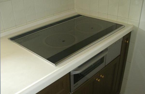 使い慣れたキッチンに機能を付け加えるのリフォーム事例