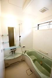 配慮が行き届いた浴室【バス】