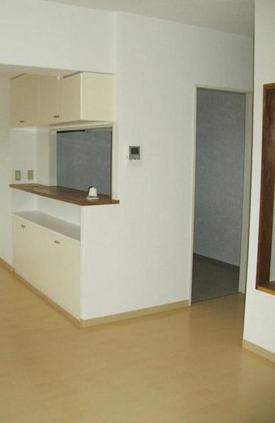 LDKの床材は防音タイプのフローリングに【キッチン】