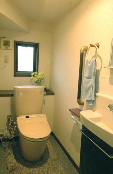 最新型トイレで一新されたトイレ【トイレ】