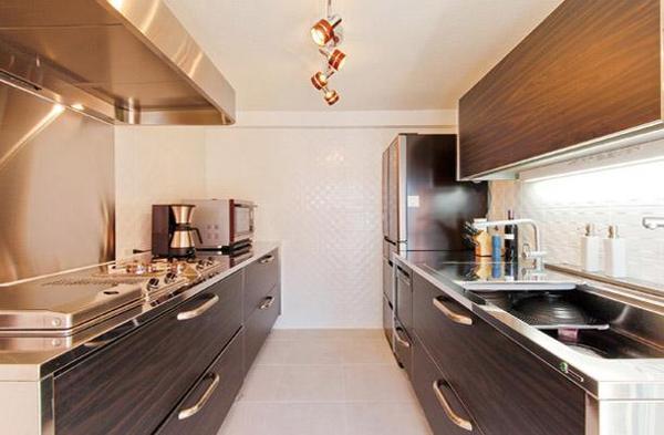 キッチンは広くて使いやすい構造に【キッチン】