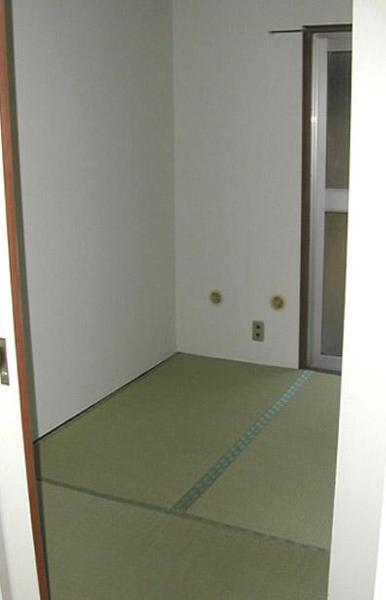 黄色くなっていた壁紙と畳を一新【和室】