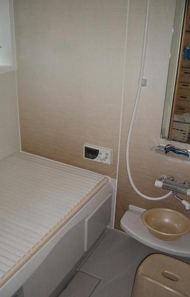 バスルームもバリアフリー仕様に【バス】