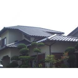 日本瓦を地震に強い軽量屋根材「ROOGA」で葺き替えました。