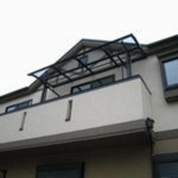二階のベランダにテラス屋根を取付
