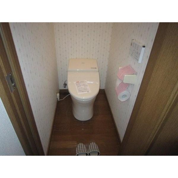 従来よりも71%の節水機能と、出幅が8cm広くなるトイレ