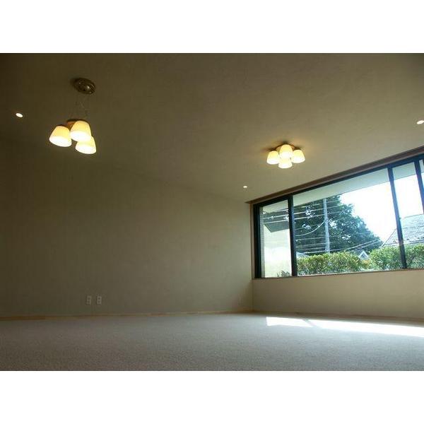 「暖かみのある安心して暮らせる家」をコンセプトに御提案。テラコッタタイルや珪藻土で暖かみを演出。