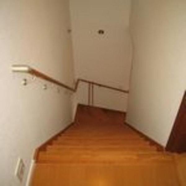 勾配を緩くし、安全な階段に