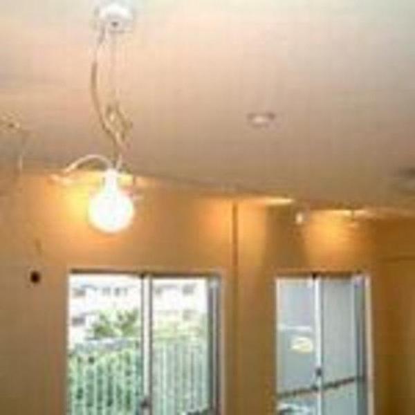 自然素材によって活きる間接照明のお部屋