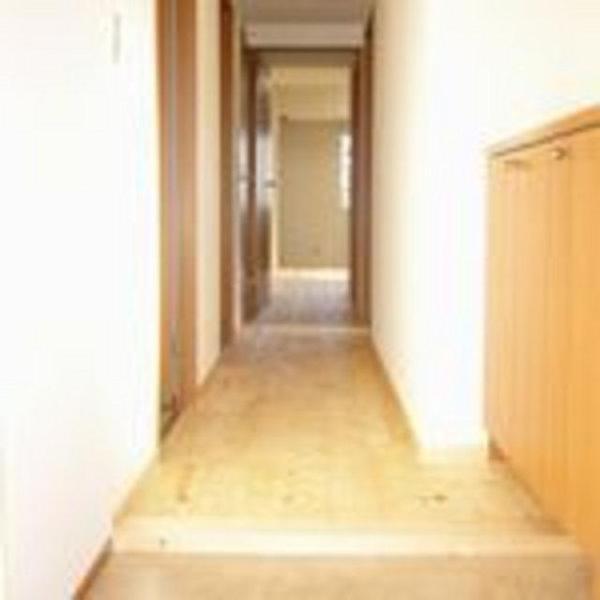 パイン材を使用した玄関