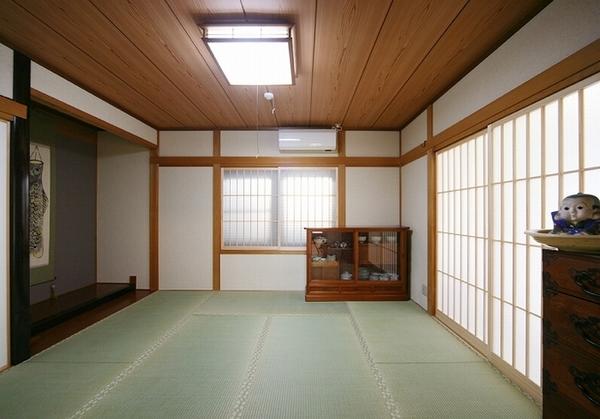 書斎も含めた和室の空間