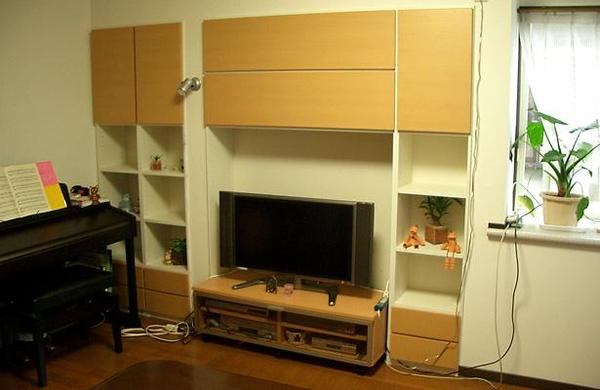 壁厚を利用した壁面収納のリフォーム事例