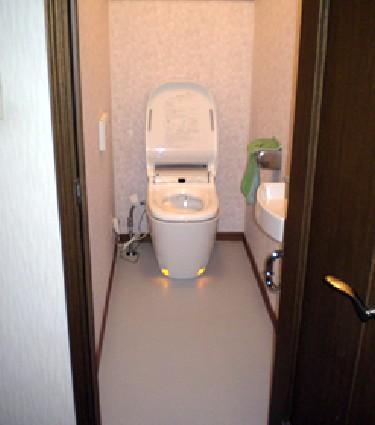 機能充実のトイレにリフォームのリフォーム事例