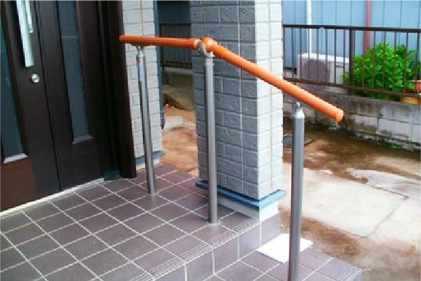 玄関階段の昇降をしやすく【玄関】
