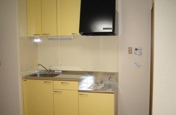 キッチン本体にはクリナップ「K2I型1950」を採用しました。