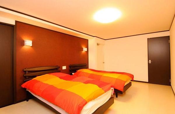 スペインをイメージした寝室【洋室(子供部屋、寝室など)】