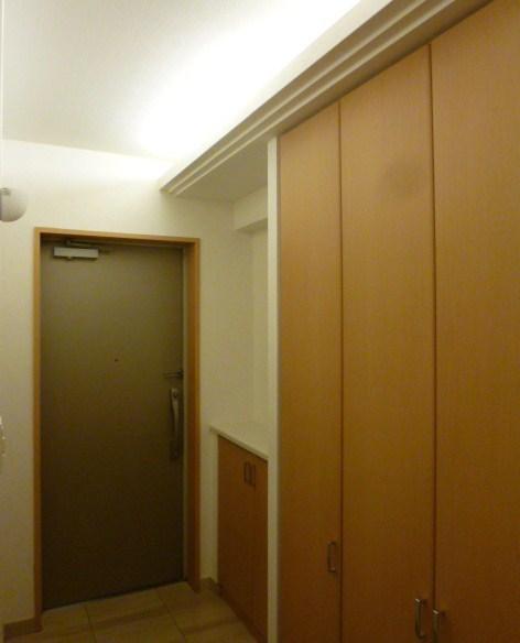 間接照明の玄関