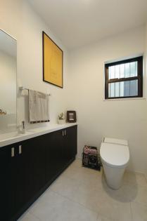 広々として使いやすいトイレ