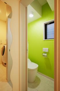 ライトグリーンが自慢のトイレ