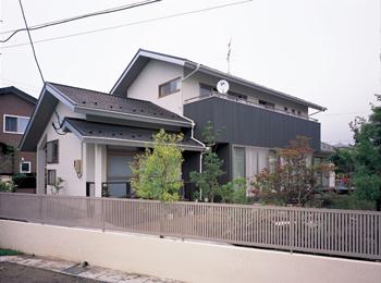 耐久性の高い屋根で住まいを守るリフォーム
