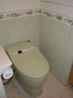 ボーダークロスがアクセントのトイレ