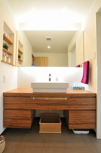 価格 Com 『パウダールームのような洗面所』 洗面所のリフォーム事例(4913)