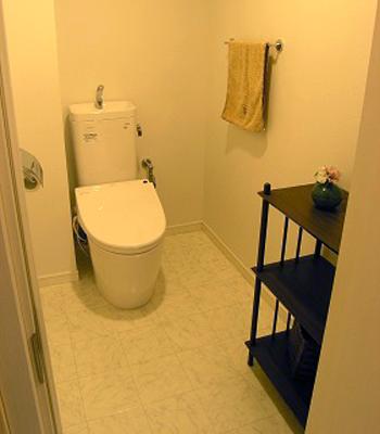 窮屈さを感じさせないトイレ