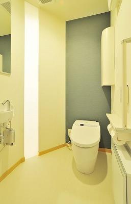 バリアフリーも考えられているトイレ