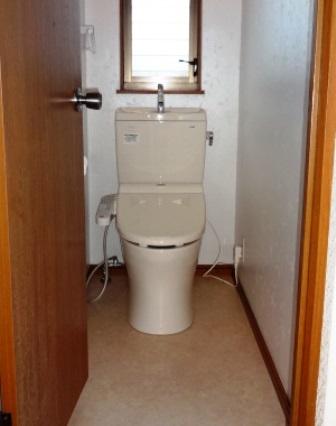 洋式便座をシャワー機能付の取替えました。