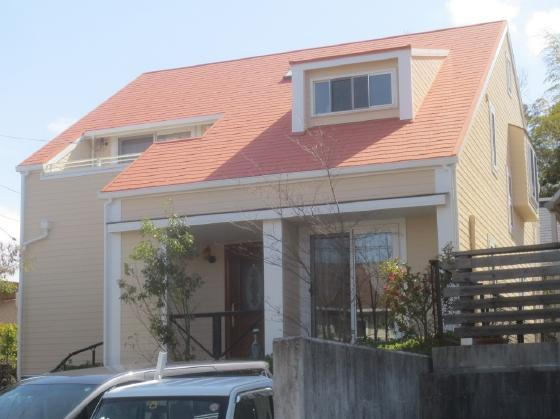 オレンジの屋根と外壁がベストマッチです