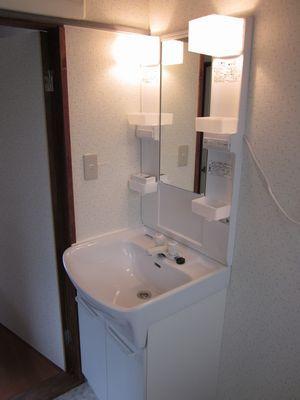 空間の大きさに合わせた洗面