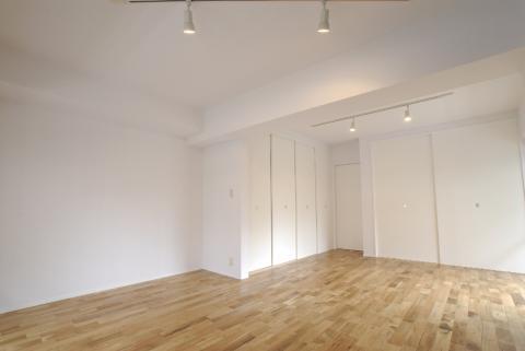 真っ白で清潔感のあるお部屋