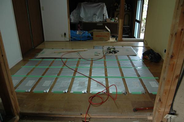 床暖房設置で暖かい家に