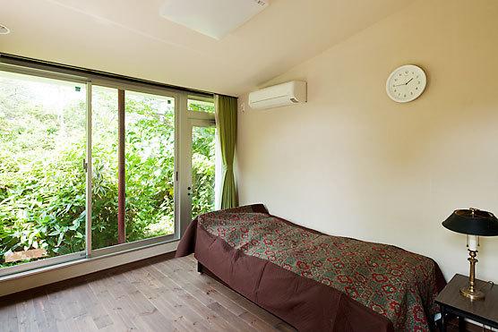緑が気持ちいい部屋