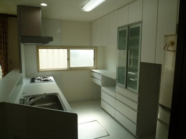 明るさを感じることができるキッチン
