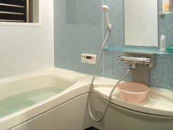 広々と暖かいお風呂