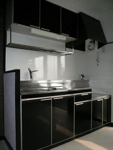 黒色のおしゃれキッチン