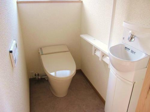 圧迫感を感じさせないトイレ