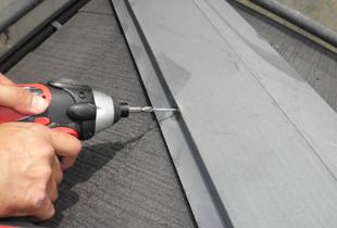 屋根を補強し住まいを守ります