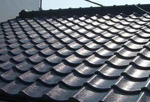 重厚感のある純和風の瓦屋根