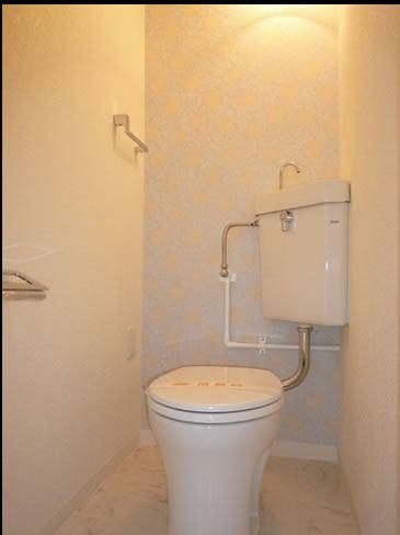 清潔感のあるシンプルトイレ