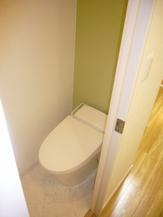 清潔感あるおしゃれなトイレ