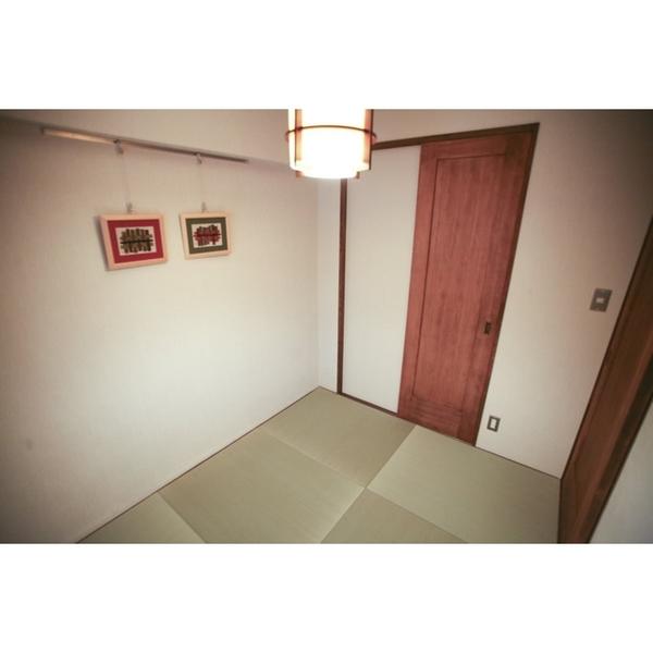 狭さを感じさせない和室空間