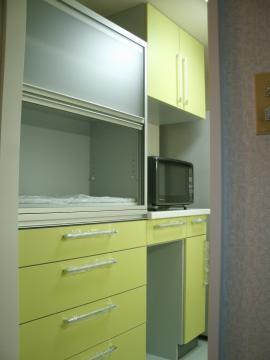 キッチンと色を合わせました