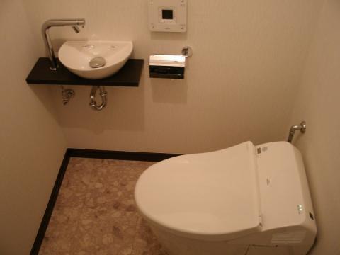 タンクレストイレで空間を広々と