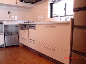 たっぷり収納できる機能的なキッチン