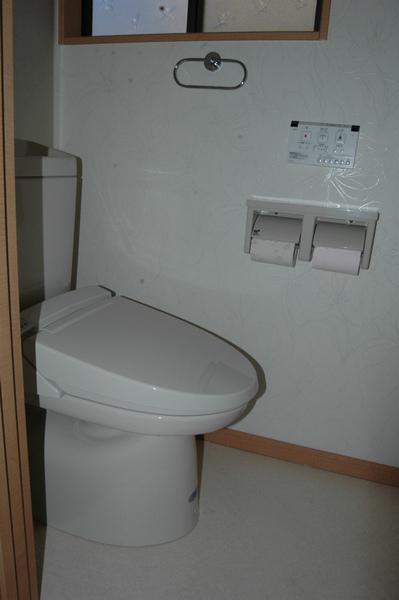 タイル貼りのトイレのリフォーム
