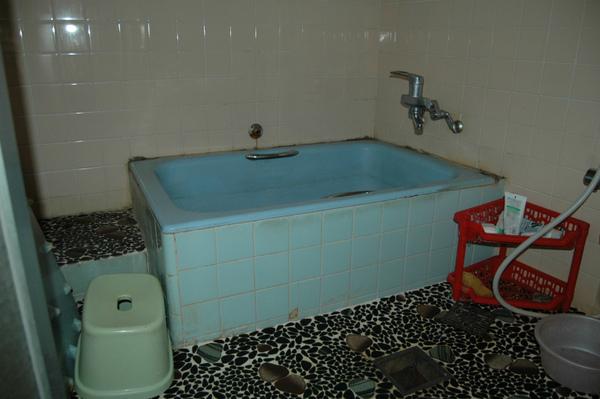 冬も暖かく、広く明るいお風呂
