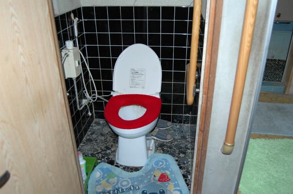 使いやすく清潔なトイレにリフォーム
