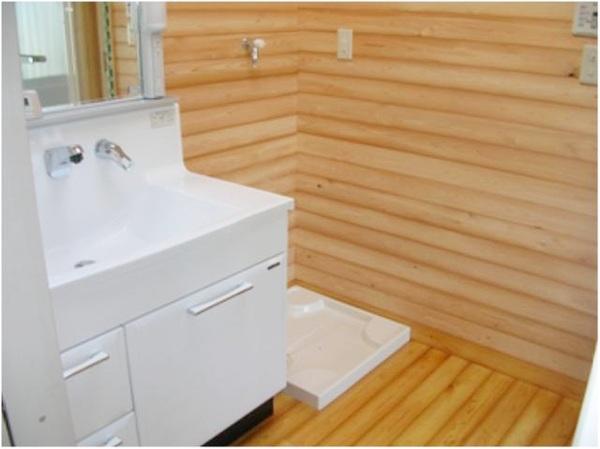 木目調が素敵な洗面